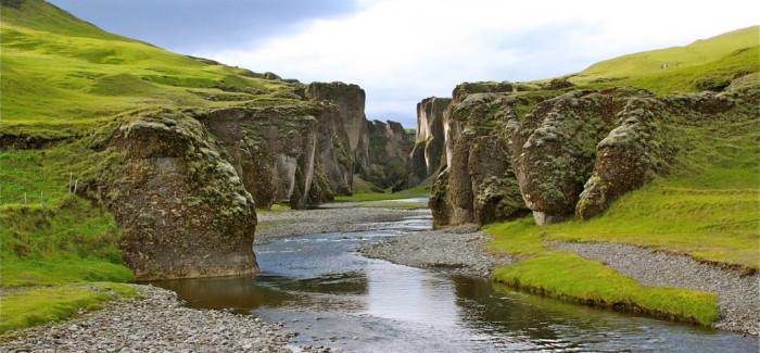 Le canyon enchanté de Fjadrargljufur