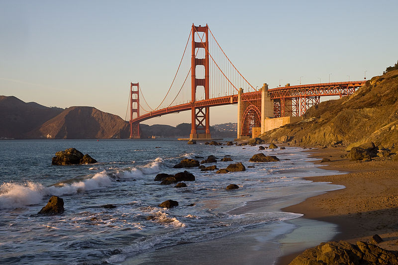 800px-GoldenGateBridge_BakerBeach_MC