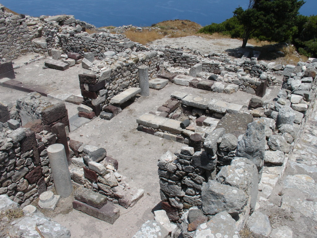 Ruins_of_Ancient_Thira